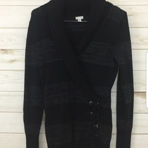 GUESS Stipped Vneck Wrap Sweater-M
